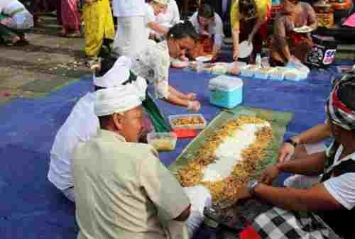 Jangan Kunjungi Bali Dulu Kalau Belum Tahu Lima Budaya Bali Ini 01 - Finansialku