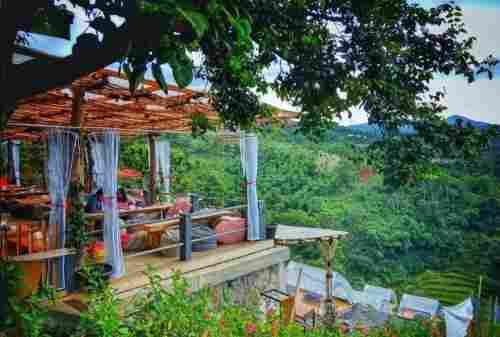 10+ Tempat Wisata di Bandung yang Instagramable dan Populer 02 - Finansialku