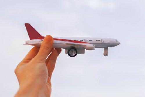 Apa Gunanya Asuransi Kecelakaan Pesawat Perlu Gak Sih 03 - Finansialku