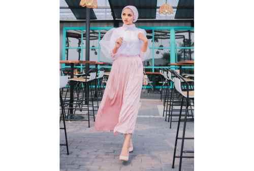 10 Tren OOTD Hijab 2020 Simpel, Kasual, Tetap Kece 06 - Finansialku