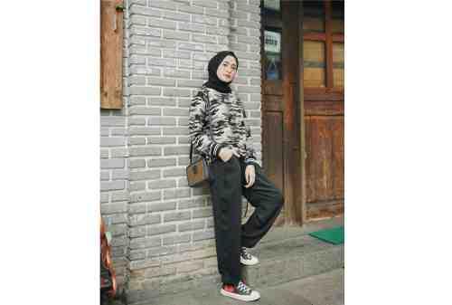 10 Tren OOTD Hijab 2020 Simpel, Kasual, Tetap Kece 10 - Finansialku