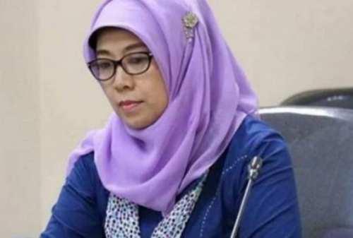 Jokowi Resmi Pecat Komisioner KPAI, Sitti Hikmawatty 02