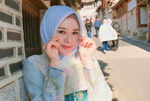 Kenalan dengan Ayana Moon, Selebgram Hijab Asal Negeri Ginseng 01