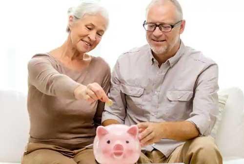 Komik Mau Keluar Dari Roda Putar Yuk Raih Kebebasan Finansialmu Mulai Sekarang! 02 Dana Pensiun - Finansialku