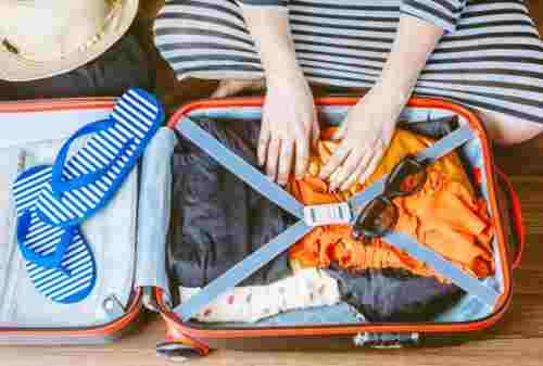 Girls, Ini Tips Packing Barang Untuk Traveling Bareng Gebetan 02 - Finansialku