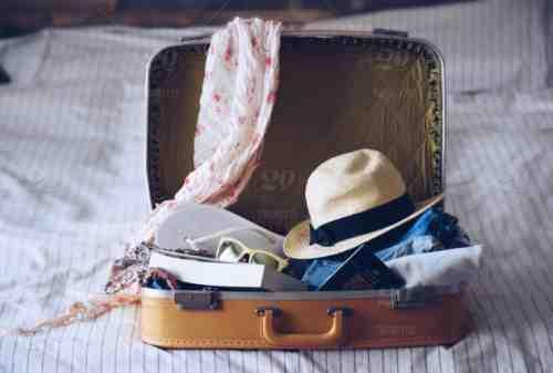 Girls, Ini Tips Packing Barang Untuk Traveling Bareng Gebetan 03 - Finansialku