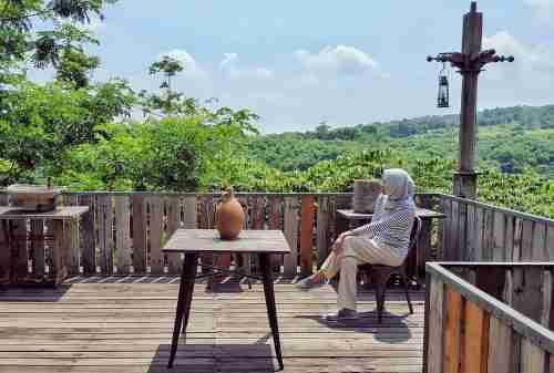 5+ Lokasi Destinasi Wisata Cirebon Seru yang Wajib Kamu Kunjungi 02 Bukit Gronggong - Finansialku