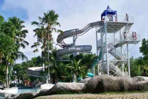 5+ Lokasi Destinasi Wisata Cirebon Seru yang Wajib Kamu Kunjungi 04 Apita Waterboom - Finansialku