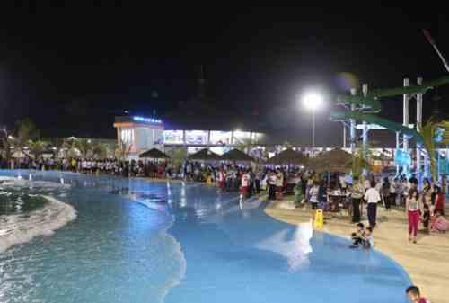5+ Lokasi Destinasi Wisata Cirebon Seru yang Wajib Kamu Kunjungi 03 Waterboom Siwalk - Finansialku