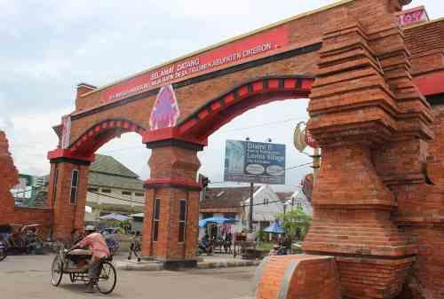 Bikin Hati Sejuk! 6 Destinasi Wisata Cirebon yang Mengusung Kebudayaan 03 Sentra Batik Trusmi - Finansialku