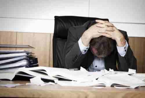 Cek Gejala Stres Kerja Ini, Jangan Sampai Kamu Mengalaminya!