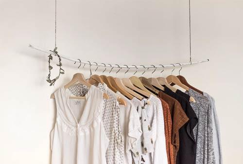 Pakaian Wanita - Finansialku