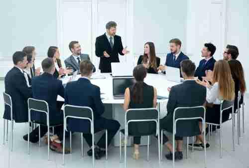 Bagaimana Pengaruh Gaya Kepemimpinan Terhadap Kinerja Karyawan 03 - Finansialku