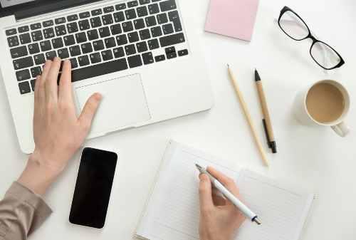 Mau Tahu Cara Jadi Penulis Novel Ikuti 5+ Tips Menulis Buku Ini 00 - Finansialku