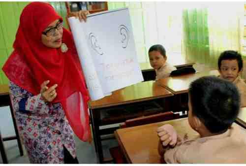 Tunjangan Profesi Guru Dihentikan, Para Guru Desak Pembatalan