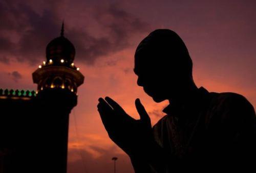 Keutamaan Mengumandangkan Takbir Idul Fitri Bagi Umat Islam 03 - Finansialku