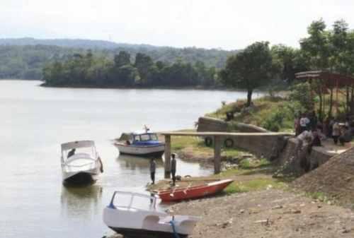 5+ Lokasi Destinasi Wisata Cirebon Seru yang Wajib Kamu Kunjungi 01 Danau Setu Patok - Finansialku
