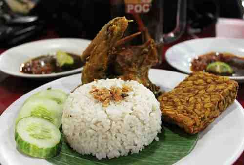 Daftar 5 Kuliner Malam Jakarta Jenis Nasi Dengan Harga Bersahabat 01 - Finansialku