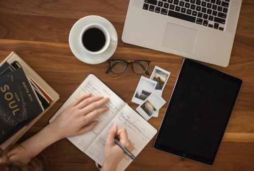 Mau Tahu Cara Jadi Penulis Novel Ikuti 5+ Tips Menulis Buku Ini 02 - Finansialku