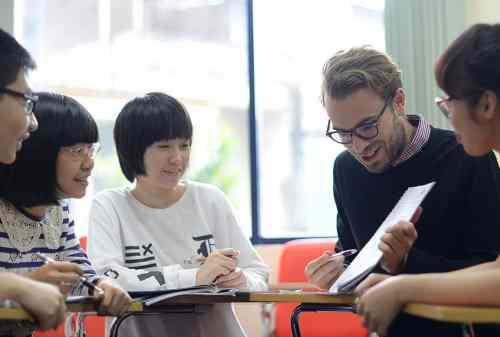 7 Tips Kerja di Luar Negeri dan Cara Mengatur Keuangan di Negeri Orang!