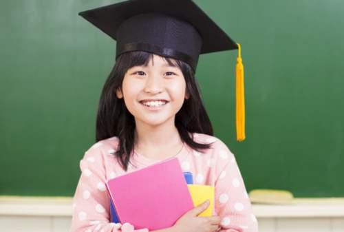 Strategi Jitu Siapkan Dana Pendidikan Anak Buat Single Mom