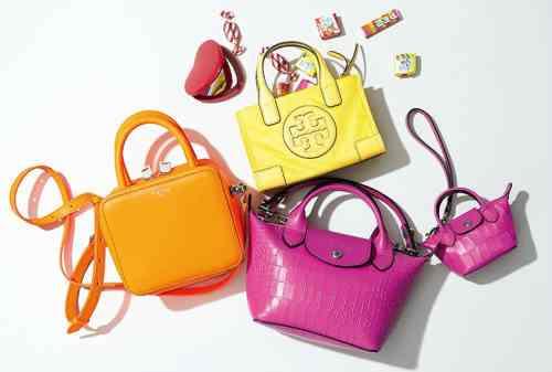 Tips Memilih Warna Tas yang Sesuai Dengan Style Kamu
