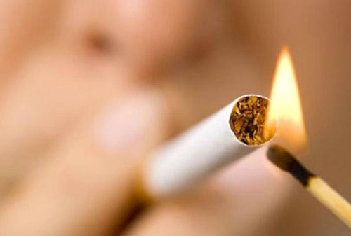 Cukai Rokok Naik 23%, Bagaimana Nasib Emiten Rokok?