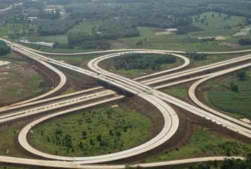 Rampung 2024, Jokowi Sebut Tol Trans Sumatera Bisa Dongkrak Ekonomi 02