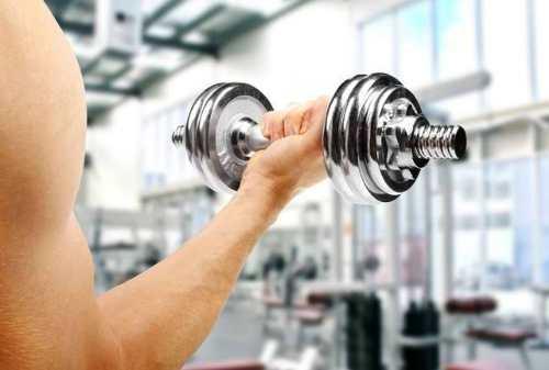 Super Simpel, Ini Cara Melatih Otot Lengan dengan Maksimal di Rumah!