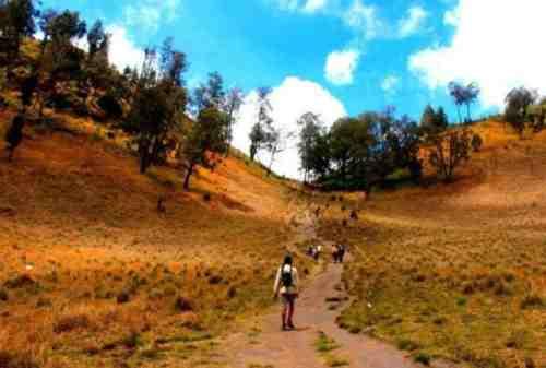 TOP 10 Tempat Wisata Purwakarta yang Hits Gunung, Waduk, Curug! 08 - Finansialku