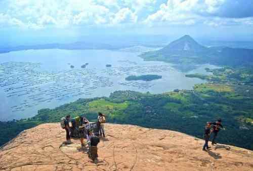 TOP 10 Tempat Wisata Purwakarta yang Hits Gunung, Waduk, Curug! 09 - Finansialku