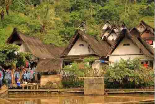 TOP 10 Tempat Wisata Purwakarta yang Hits Gunung, Waduk, Curug! 010 - Finansialku