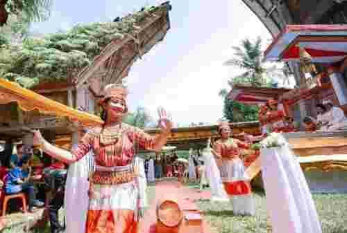 10 Daftar Budaya Khas Toraja yang Mendunia Nan Unik 03 - Finansialku