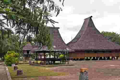 Jarang Wisatawan, Ini 10 Tempat Wisata di Ende yang Wajib Dikunjungi! 06 - Finansialku