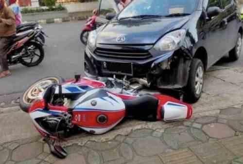 Apes! Pengendara Ayla Tabrak Honda CBR1000RR SP Seharga Rumah 02