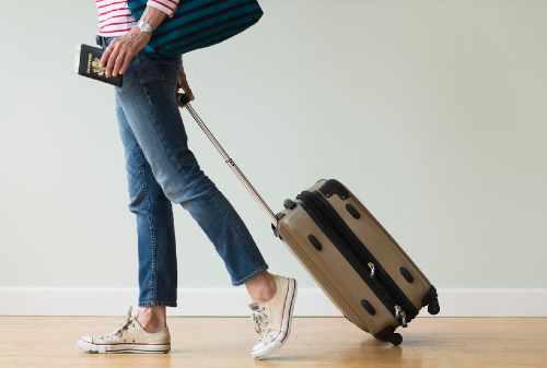 Tips Praktis Travelling Tanpa Bagasi (BONUS: Cara Mengepak Barang)