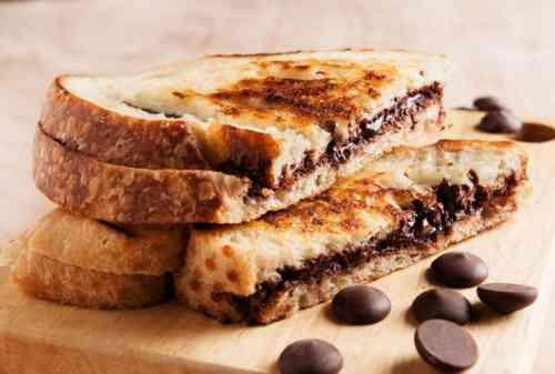 Peluang Usaha Roti Bakar! Mulai dengan Modal Minim Untung Besar!