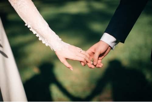 7 Cara Menabung Dana Pernikahan Untuk Sandwich Generation