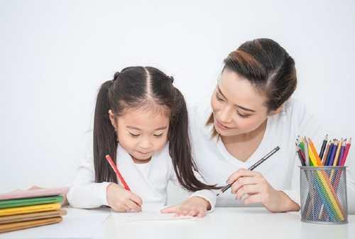 Orang Tua Wajib Tahu! Ini Definisi dan Skema Asuransi Pendidikan