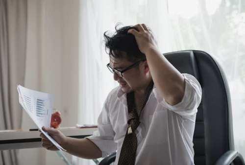 Lakukan Pendekatan Berikut Saat Rekan Kerja Mengalami Stres