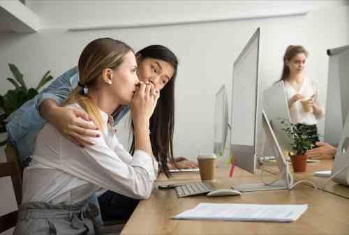 Lakukan Pendekatan Berikut Saat Rekan Kerja Mengalami Stres 01 Finansialku