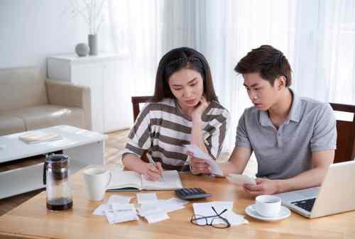 Suami Istri Bekerja, Perlu Gak Sih Buat Rekening Keluarga?