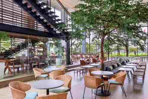10+ Rekomendasi Hotel Buat Staycation di Tanggerang - 05 - Finansialku